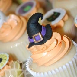 2014-10-31_HalloweenCupcakes-02_Web